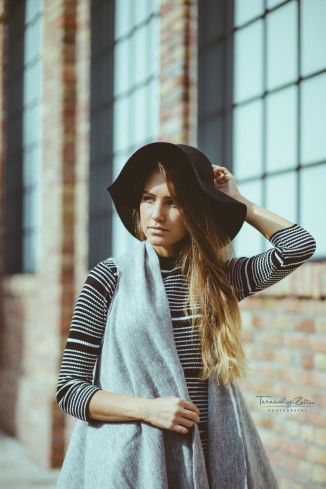 ESTIE - Girl with a Fedora